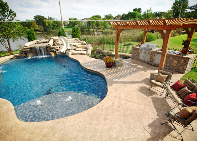 Tulsa outdoor kitchen and pool