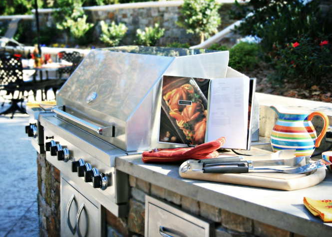 a Tulsa outdoor kitchen by Oklahoma Landscape