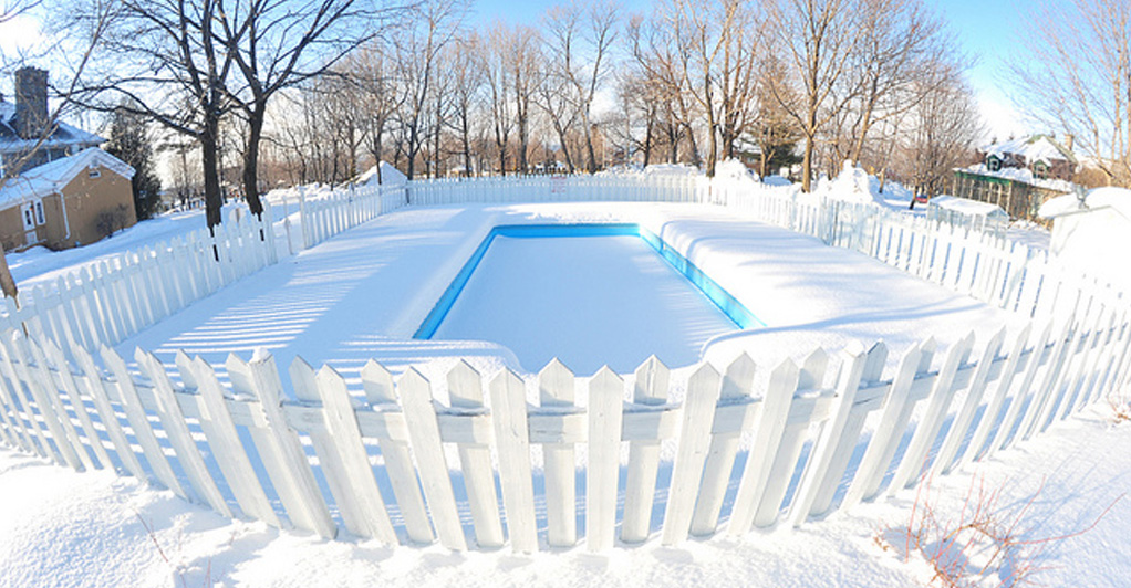 pool_in_winter